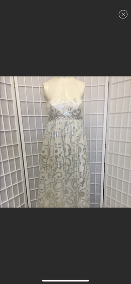 Queenly size 8 Agua White Cocktail evening gown/formal dress
