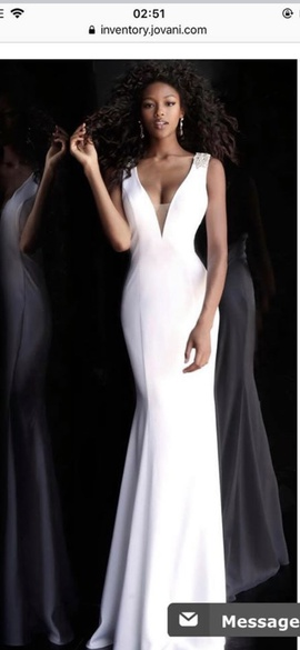 Queenly size 00 Jovani White Mermaid evening gown/formal dress