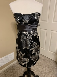 Speechless Black Size 6 Tall Height Cocktail Dress on Queenly