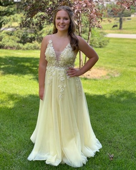 Mac Duggal Yellow Size 4 Prom Macduggal Side slit Dress on Queenly