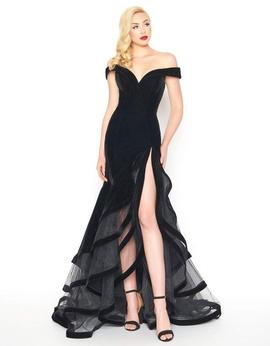 Mac Duggal Black Size 4 Side slit Dress on Queenly