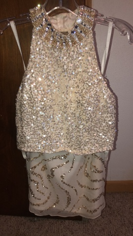 Shail K. White Size 4 Homecoming Jewelled Sequin Cocktail Dress on Queenly