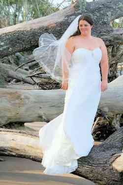 Wedding Dress White Size 16 Wedding Sweetheart Plus Size Ball gown on Queenly