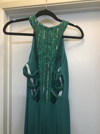 Sherri Hill Green Size 2 Prom Pageant Straight Dress on Queenly