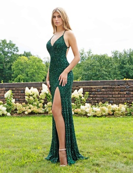 Queenly size 00  Green Mermaid evening gown/formal dress