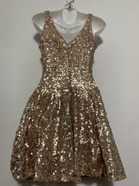 Gold Size 0 Cocktail Dress on Queenly