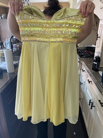 Tony Bowls Yellow Size 6 Homecoming Strapless Cocktail Dress on Queenly