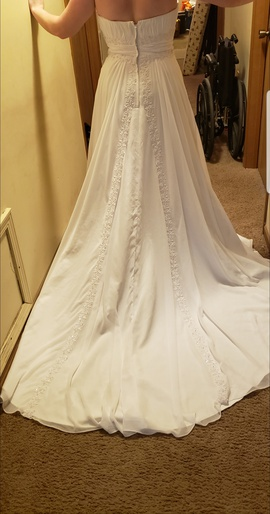 David's Bridal  White Size 12 Ball gown on Queenly