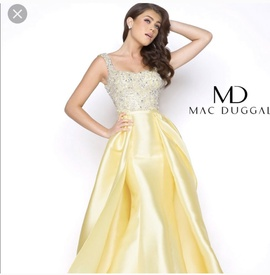 Queenly size 2  Yellow Train evening gown/formal dress