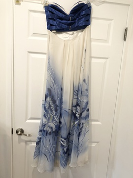 La Femme Blue Size 8 Straight Dress on Queenly
