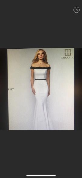 Black Size 8 Mermaid Dress on Queenly