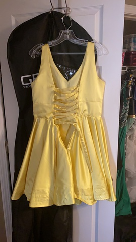 Yellow Size 10 Cocktail Dress on Queenly
