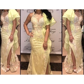 Yellow Size 6 Side slit Dress on Queenly