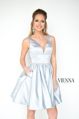 Style 6023 Vienna Silver Size 0 Interview Plunge Cocktail Dress on Queenly