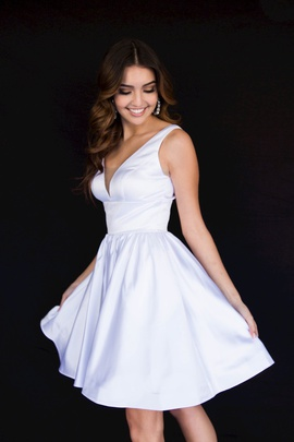 Style 6023 Vienna White Size 00 Tall Height Backless Homecoming Silk Cocktail Dress on Queenly
