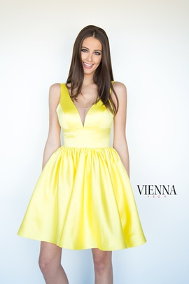 Queenly size 4 Vienna Yellow Cocktail evening gown/formal dress