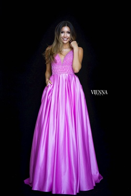 Style 7802 Vienna Purple Size 18 Plunge Plus Size Ball gown on Queenly