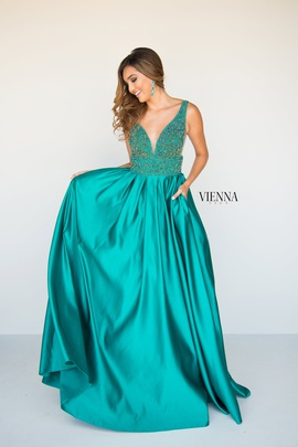 Style 7802 Vienna Green Size 00 Plunge Ball gown on Queenly