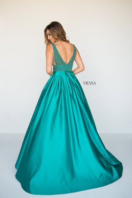 Style 7802 Vienna Green Size 10 Plunge Ball gown on Queenly