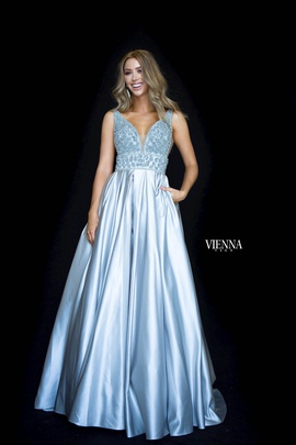 Queenly size 2 Vienna Silver Ball gown evening gown/formal dress