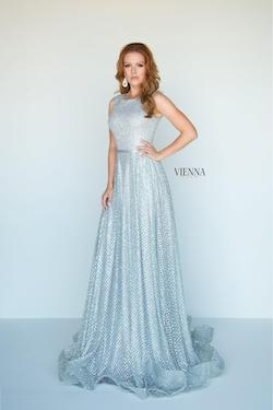 Style 7808 Vienna Silver Size 4 Train Tall Height A-line Dress on Queenly
