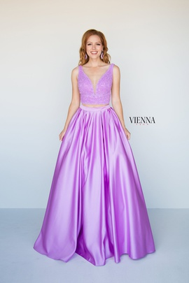 Queenly size 4 Vienna Purple A-line evening gown/formal dress