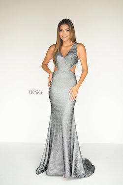 Style 8900 Vienna Silver Size 8 Plunge Tall Height Mermaid Dress on Queenly