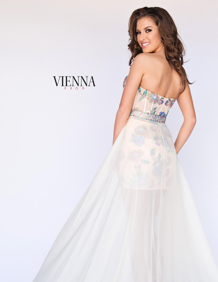 Style 8601 Vienna Nude Size 8 Tall Height Cocktail Dress on Queenly
