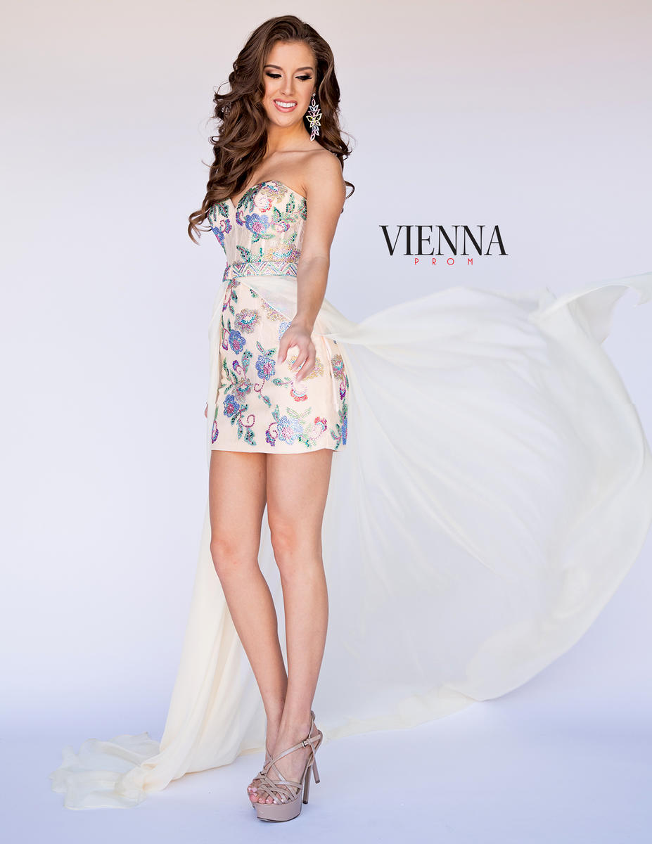 Queenly size 8 Vienna Nude Cocktail evening gown/formal dress