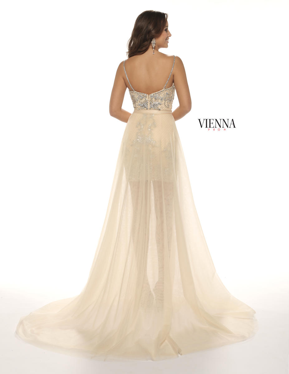 Style 8602 Vienna Nude Size 18 Train Tall Height Cocktail Dress on Queenly