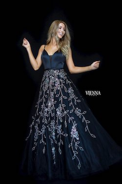 Style 7833 Vienna Black Size 2 Floral Plunge Sequin Ball gown on Queenly