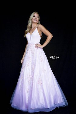 Style 7833 Vienna Light Pink Size 2 Plunge Shiny Ball gown on Queenly