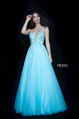 Style 7835 Vienna Green Size 8 Tall Height Side slit Dress on Queenly