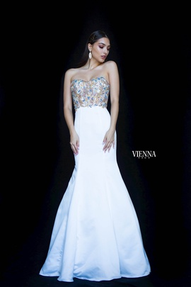 Style 82001 Vienna White Size 4 Tall Height Mermaid Dress on Queenly
