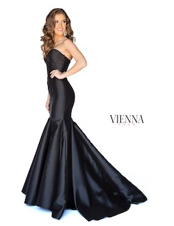 Style 8252 Vienna Black Size 0 Train Tall Height Mermaid Dress on Queenly