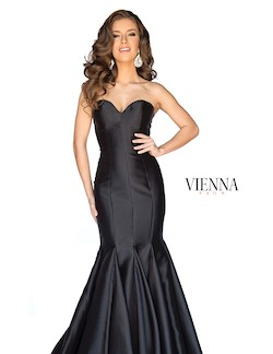 Style 8252 Vienna Black Size 8 Train Tall Height Mermaid Dress on Queenly