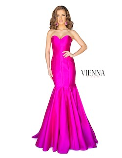 Queenly size 10 Vienna Pink Mermaid evening gown/formal dress