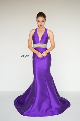 Style 8282 Vienna Purple Size 14 Plunge Plus Size Mermaid Dress on Queenly