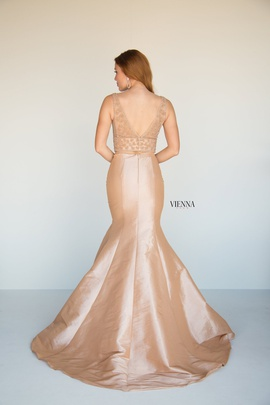 Style 8288 Vienna Nude Size 6 Two Piece Plunge Backless Mermaid Dress on Queenly