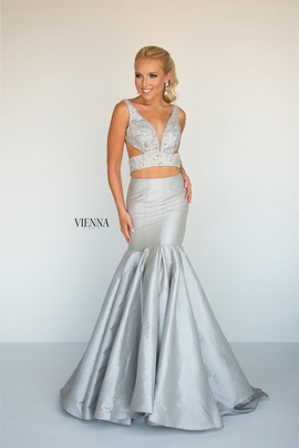 Queenly size 6 Vienna Silver Mermaid evening gown/formal dress