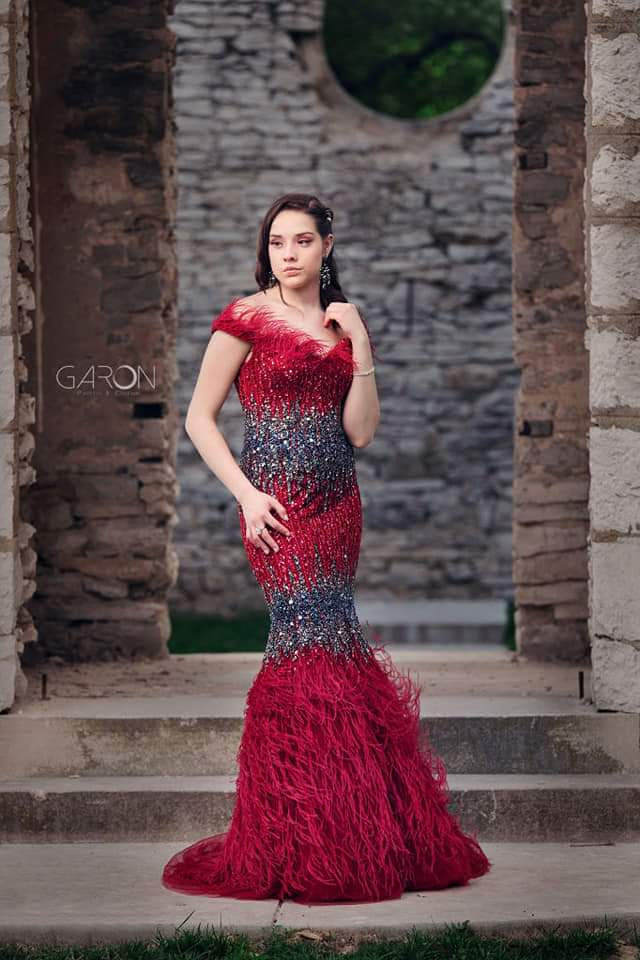Jasz Couture Red Size 4 Prom Straight Dress on Queenly