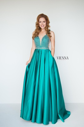 Queenly size 2 Vienna Green A-line evening gown/formal dress