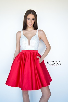 Style 6093 Vienna Red Size 8 White Plunge Cocktail Dress on Queenly
