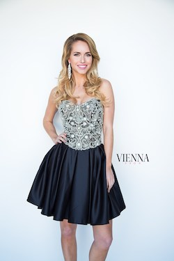 Style 6103 Vienna Black Size 8 Flare Strapless Cocktail Dress on Queenly