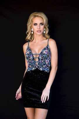 Style 6125 Vienna Black Size 4 Mini Plunge Cocktail Dress on Queenly