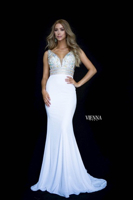 Style 8448 Vienna White Size 0 Backless Tall Height Train Dress on Queenly