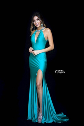 Queenly size 4 Vienna Green Side slit evening gown/formal dress