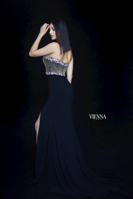 Style 8469 Vienna Black Size 0 Sweetheart Tall Height Side slit Dress on Queenly