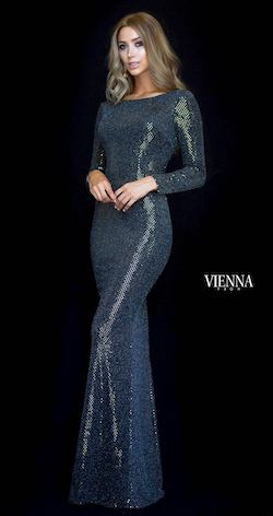 Style 8471 Vienna Gold Size 00 Shiny Side slit Dress on Queenly