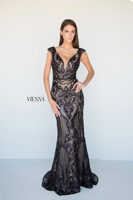 Queenly size 4 Vienna Black Mermaid evening gown/formal dress